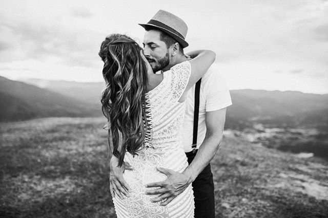 Bruno e Mirian  www.francisdiogenes.com.br Facebook/Instagram @francisphotographer Whatsapp 048984257374  #gettingmarried #weddingfun #weddingbouquet #weddinginspiration #weddingplanners #justmarried #engagementphotography #engagementphotos #bridalhair #bridestory #bridalshower #spokanedoesntsuck #bridalmakeup #bridetobe #brideandgroom #bridesmaids #bridesmaid #weddinghair #weddings #weddingcake #weddingpic #weddingtime #weddingflowers #weddinginspo #bride2be #weddingparty #pinterestwedding #ins #pinterestwedding