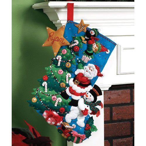 THE FINISHING TOUCH - Bucilla Felt Stocking - Santa\u0027s Helpers
