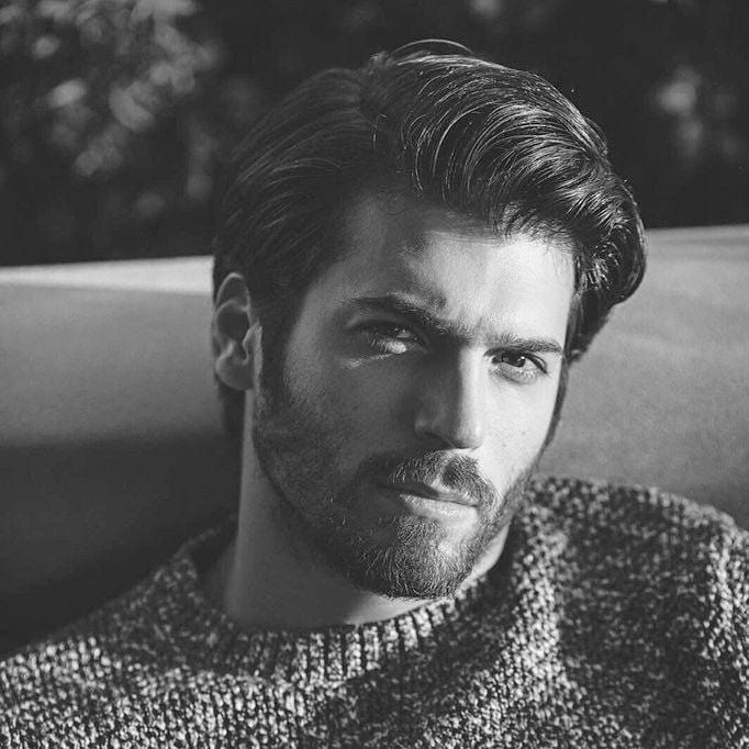 Can Yaman 🖤🇹🇷 . . . #canyaman #actores #actors #cine #cinema #movies #moviestars #moviestar #seriestv #series #tv #handsome #handsomeman #handsomemen #guapos #hombresguapos #turkish #turkey #erkencikuş #dolunay #inadinaask #gönülişleri #hangimizsevmedik
