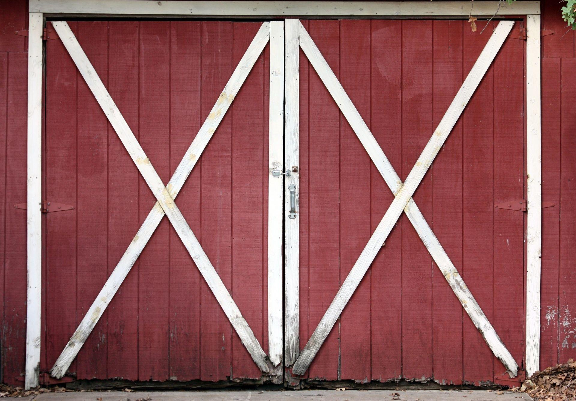Easiest Cheapest Way To Build A Rustic Barn Door Free Pdf Plans Diy Sliding Barn Door Barn Door Rustic Barn Door