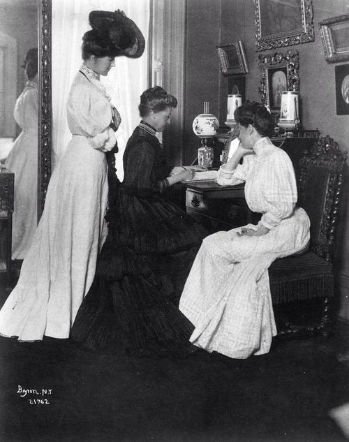 Mrs. James Gore King Duer, Miss Caroline Duer and Alicia Duer Miller, 1906.