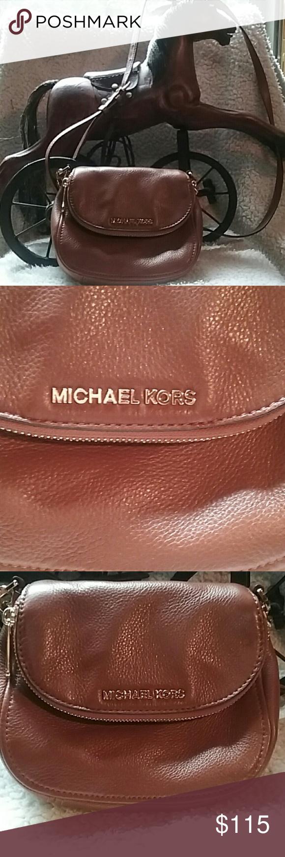 faa4b4c7d1bf Spotted while shopping on Poshmark  Michael kors cross body purse!  poshmark   fashion  shopping  style  Michael Kors  Handbags