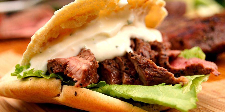 Πρόκειται για το αγαπημένο φαγητό των Ελλήνων αλλά και καμιά δεκαριά άλλων λαών που το σερβίρουν με περισσότερους από 100 τρόπους.