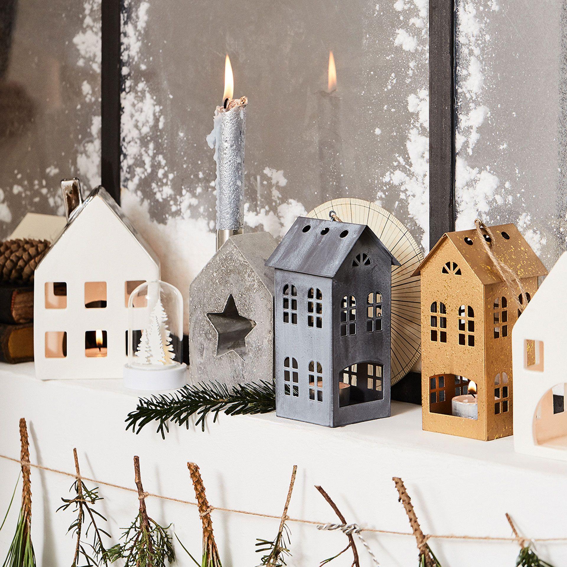 Porta velas estructura casa gris - Portavelas y candelabros ...