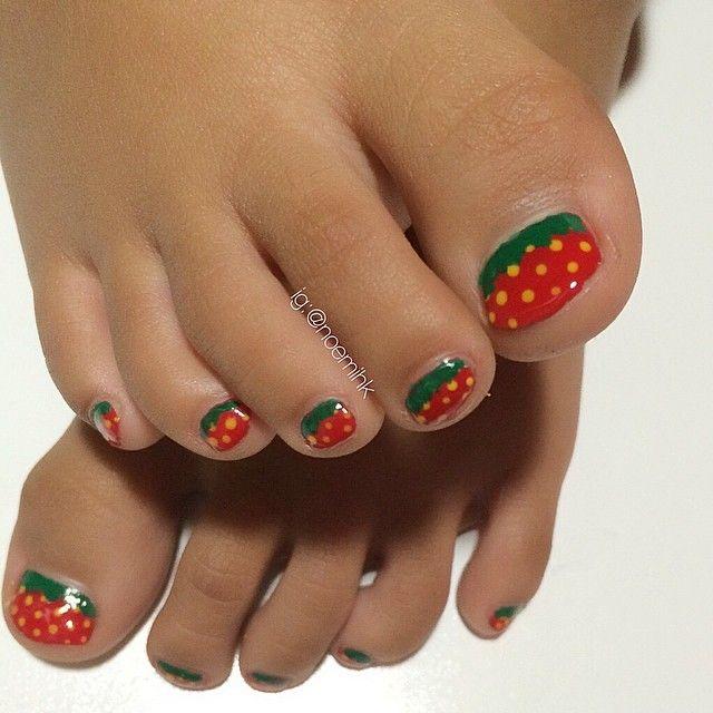 Instagram Media Noemihk Strawberry Toes Nail Nails Nailart