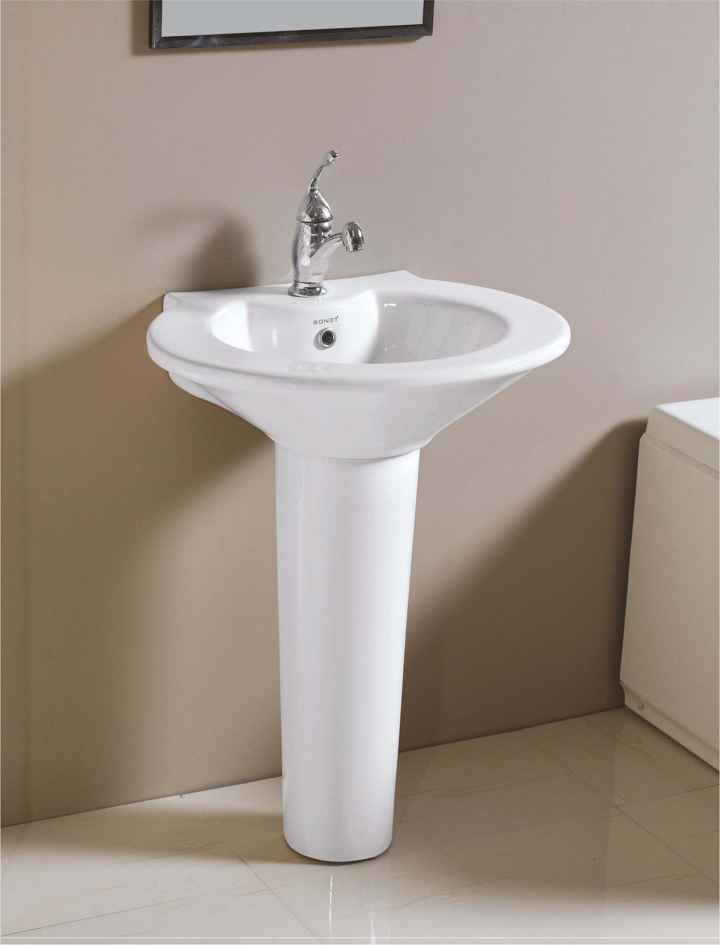 this is classic pedestal wash basin white from sonet india for