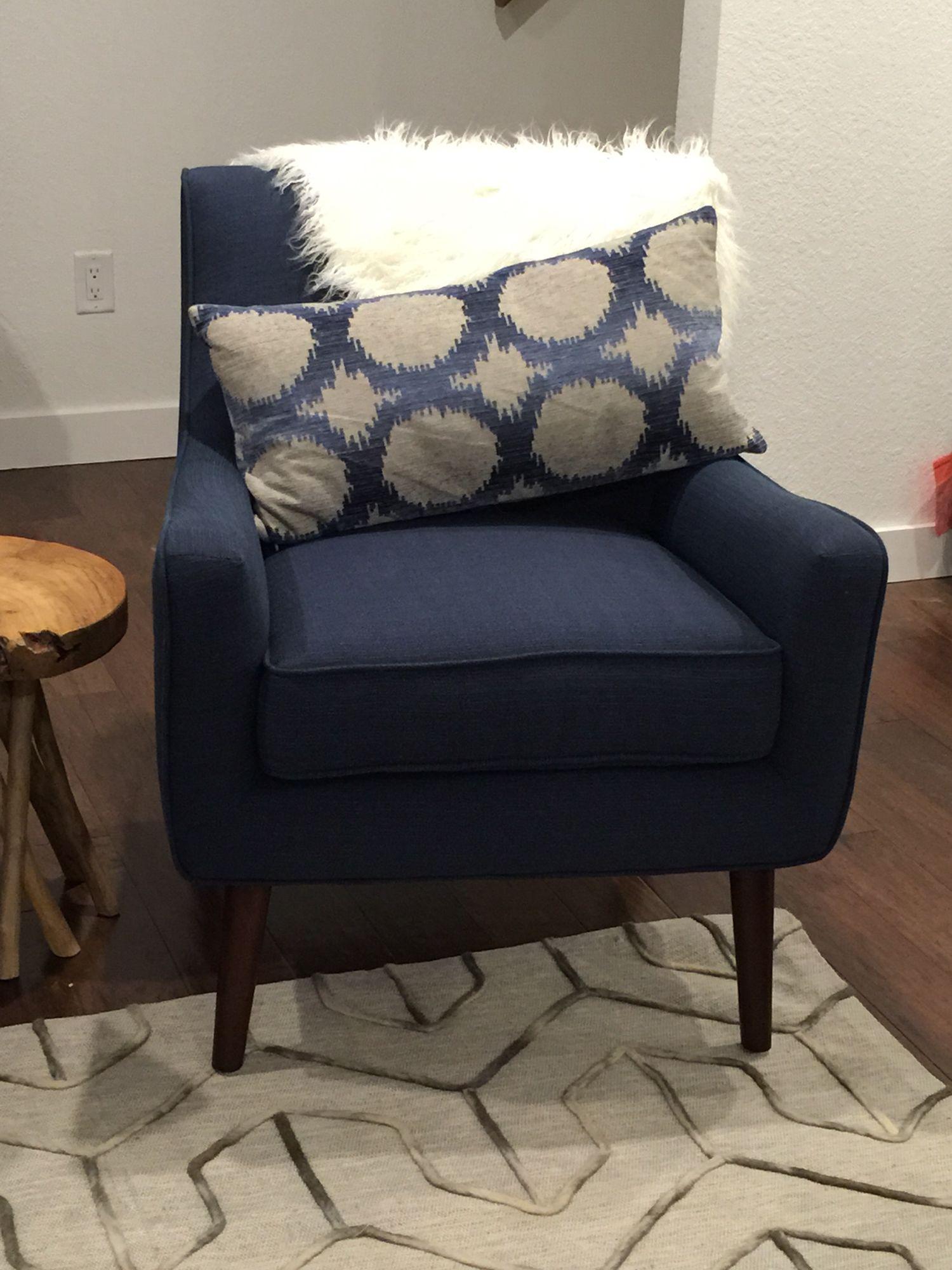 Best Mid Century Modern Navy Chair From Art Van Furniture 400 x 300