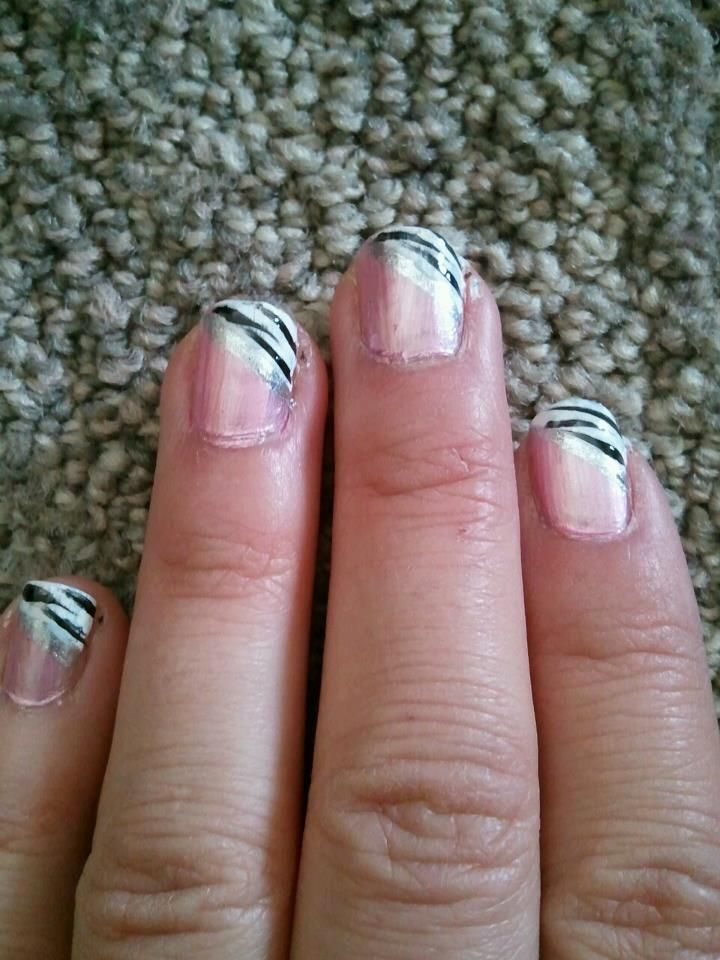 cute with pink at the bottom | cute.! | Pinterest | Prom nails, Fun ...