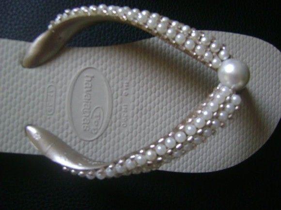c64494872 Chinelo Bordado em pérolas | start sewing | Chinelos bordados ...