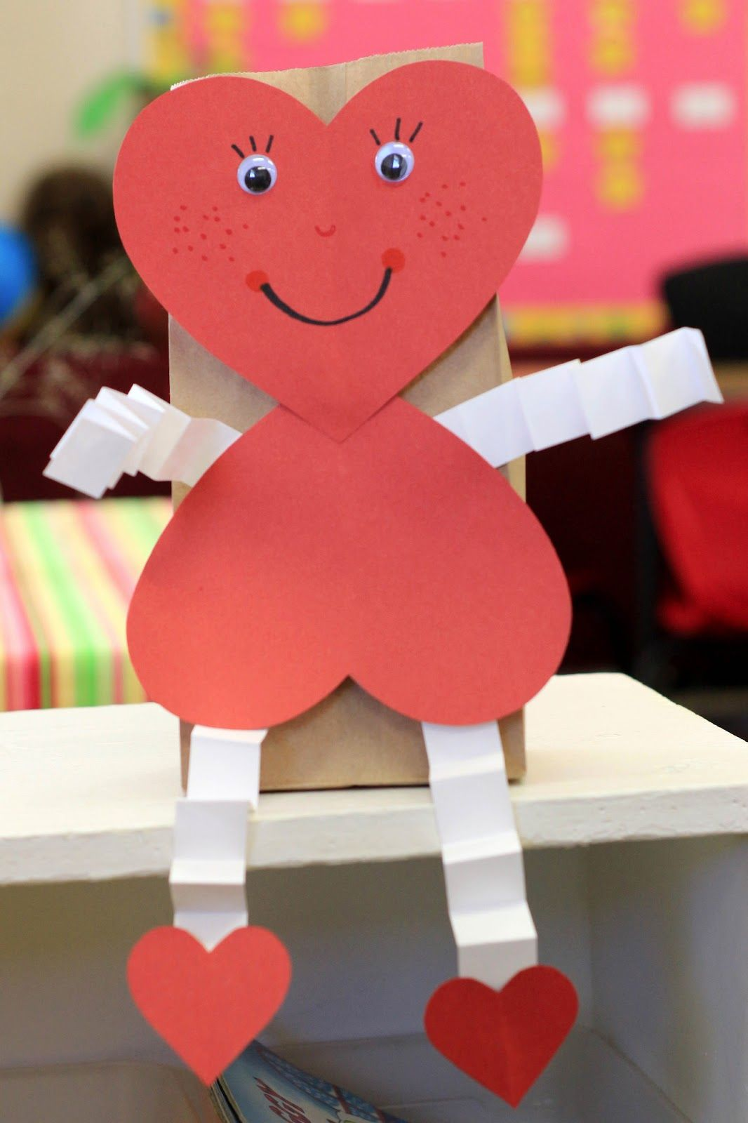 Mrs ricca 39 s kindergarten valentine pinterest for Valentines crafts for kindergarten