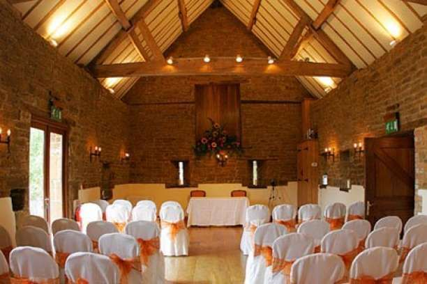 Crockwell Farm Barn Oasthouse Wedding Venue In Eydon Daventry Northamptonshire