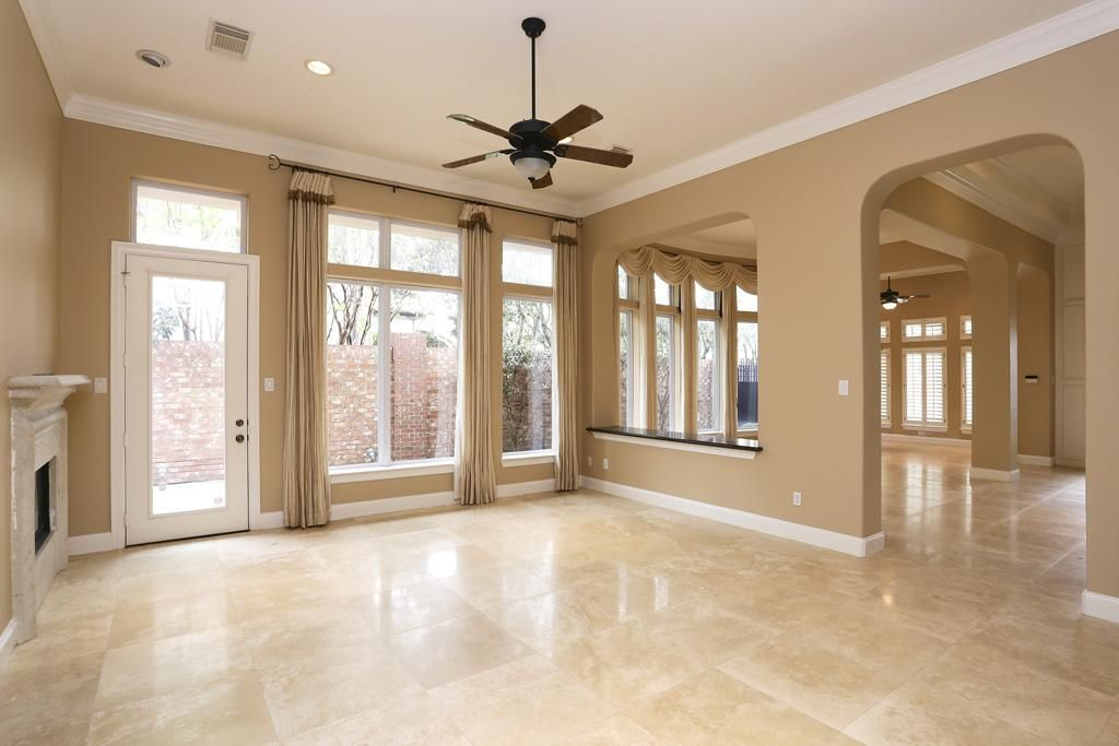 3106 rosemary park ln houston tx 77082 beige for Dining room tile designs