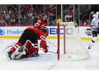 Got to love the mad dash in front of the net. #NJDevils #NHL #PicksParlays