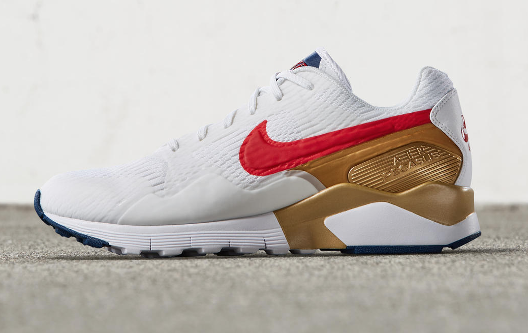 The WMNS Nike Air Pegasus 92 Olympic Drops This Week Schoenen