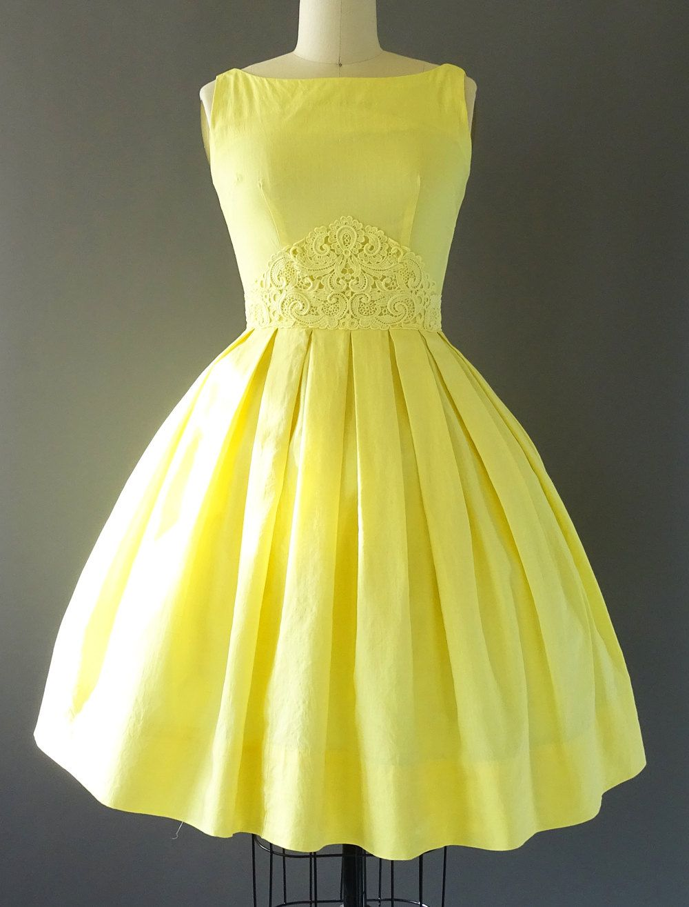 50s Follow the Yellow Pleat Road Dress- 1950s Vintage Dress ...