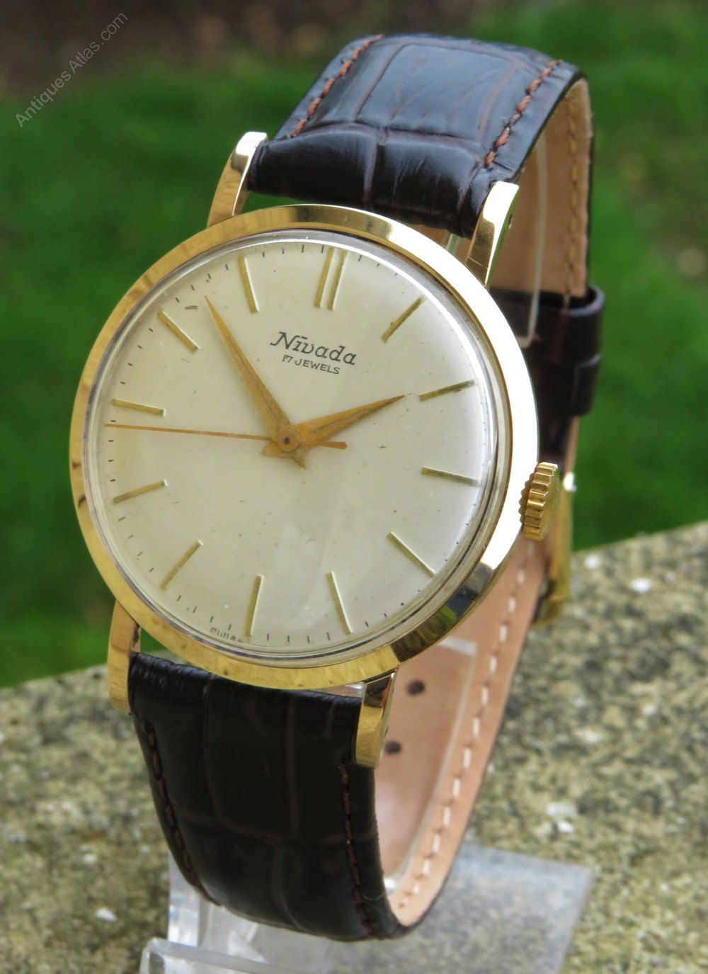 Gents 9ct gold Nivada wrist watch, 1959 #vintagewatches