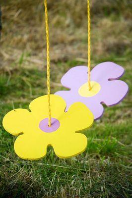 BUTTON FLOWER SWINGS