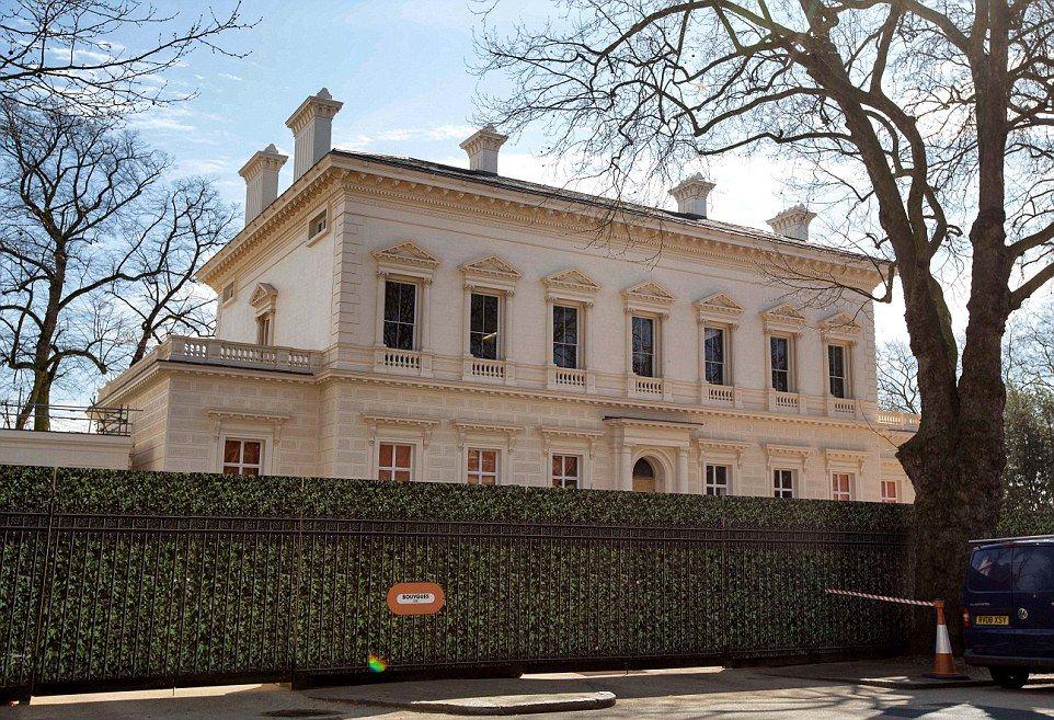 cf6c6b27fa31c944af69b2696b31438e - Kensington Palace Gardens London Real Estate