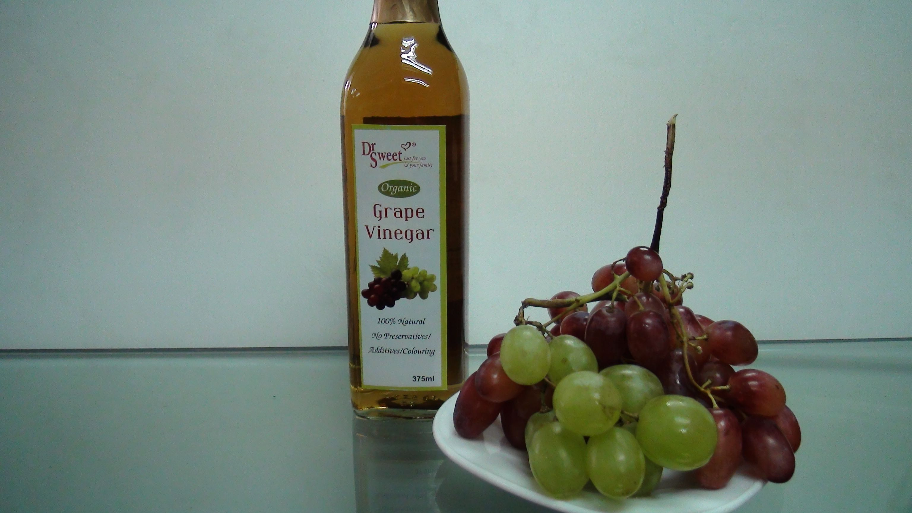 Grapes Vinegar Provides Such A Good Antioxidant And Other Health Benefits Grape Vinegar Grapes Pomegranate Concentrate
