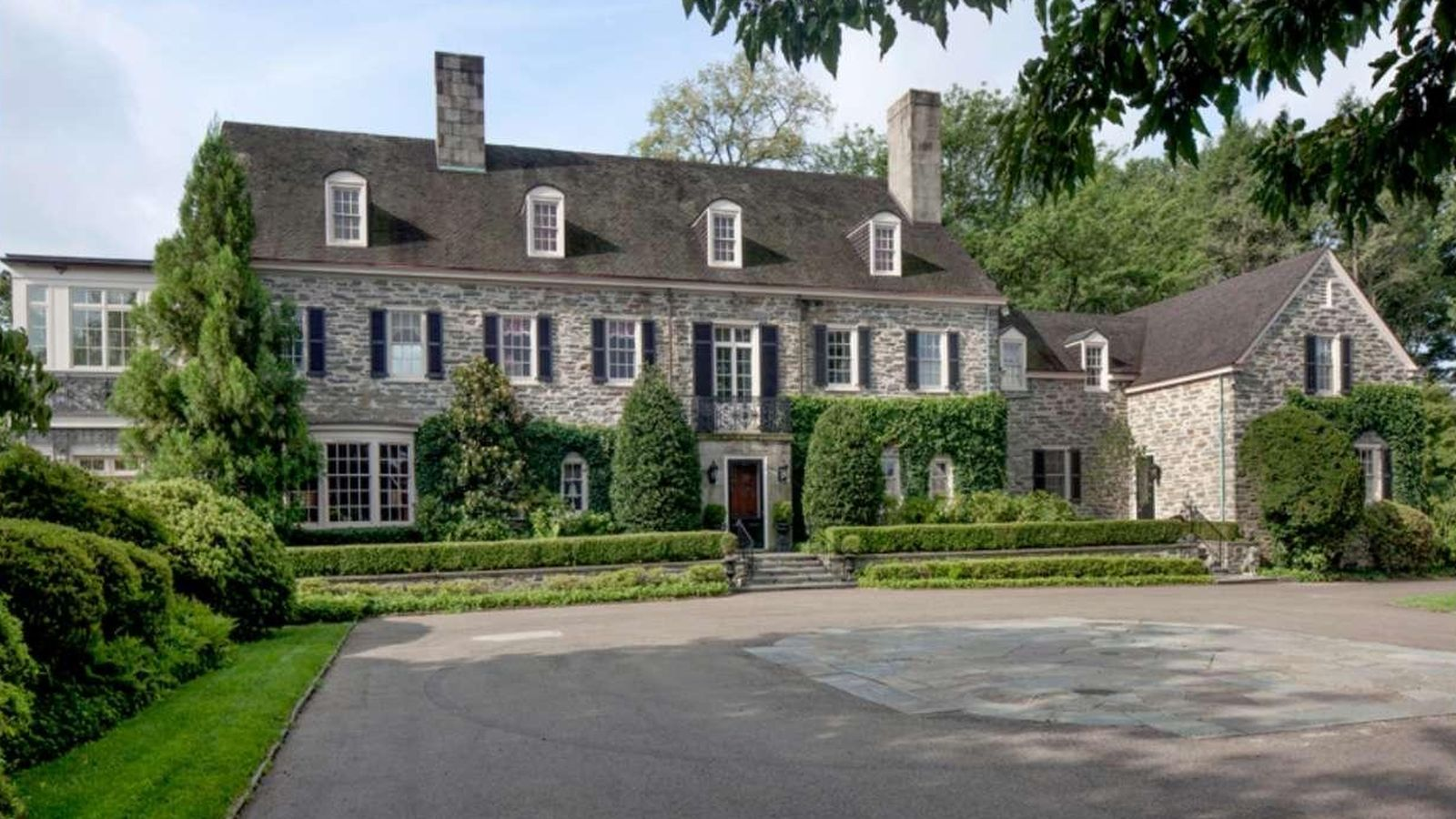 Extravagant Gladwyne Mansion Re Lists With 4 3m Price Chop Mansions Expensive Houses Stone Houses