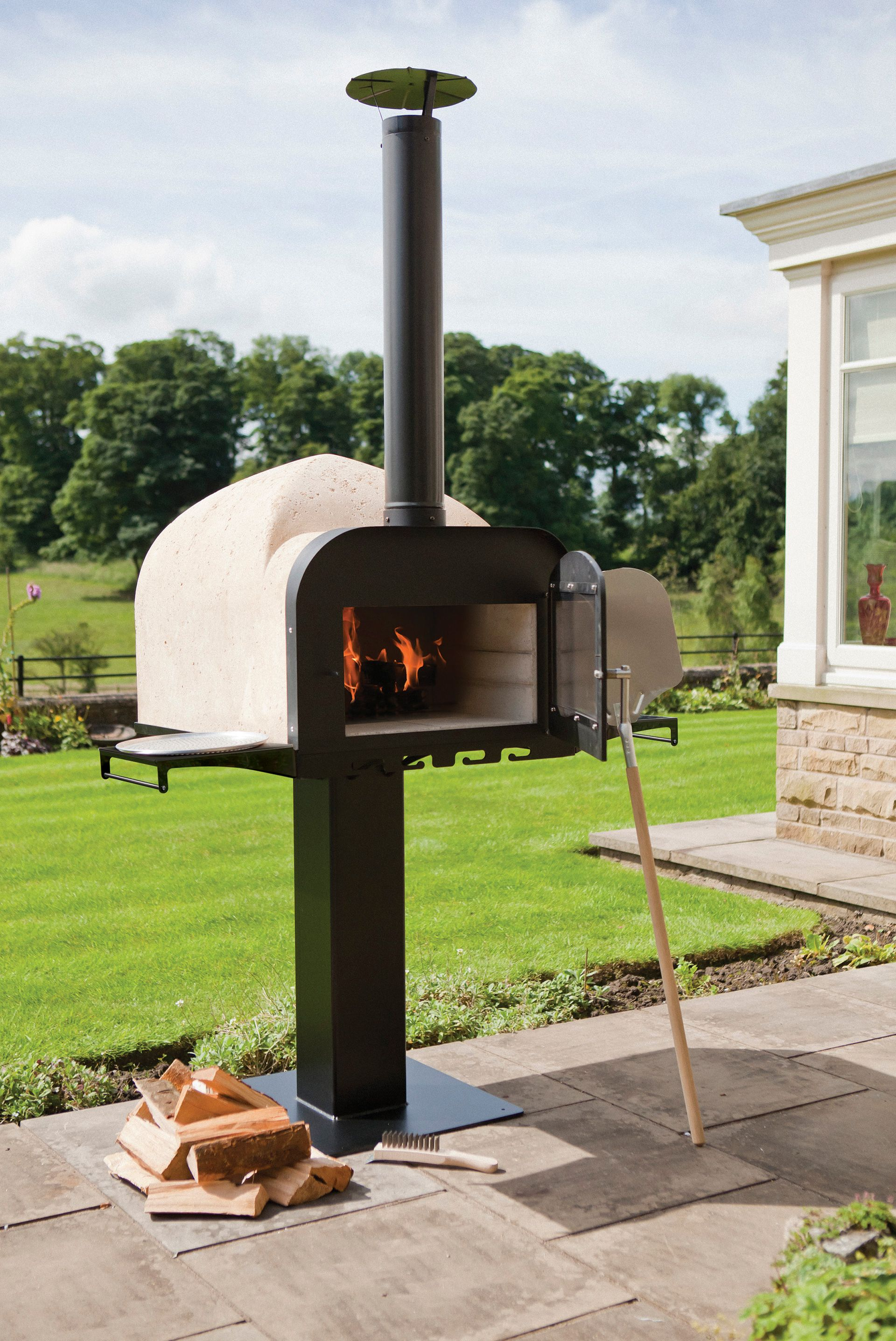 Fire Stone Cooking Demonstration At Merritt Fryers Forno De Pizza Fornos Arquitetura