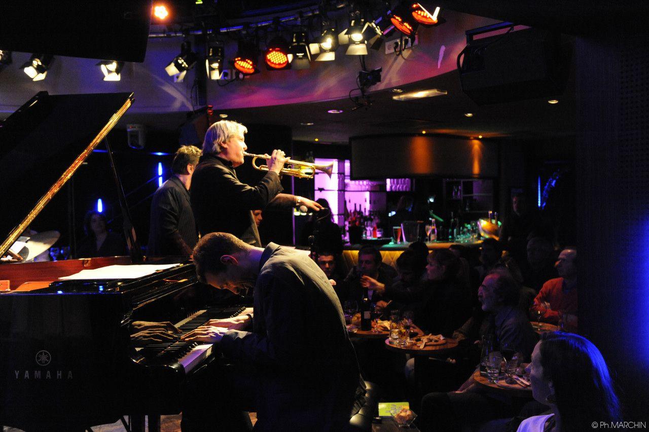 Au Duc Des Lombards In 2020 Jazz Club Cool Jazz Jazz Bar