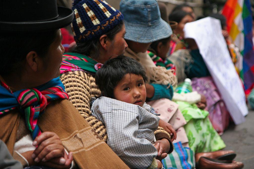 De belles destinations pour les Marocains, Algériens et Tunisiens... Sans le casse-tête des visas!  Tenues traditionnelles boliviennes