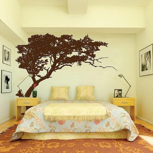 Does Your Bedroom Have a Big, Empty Wall? Here\'s how to Decorate It ...