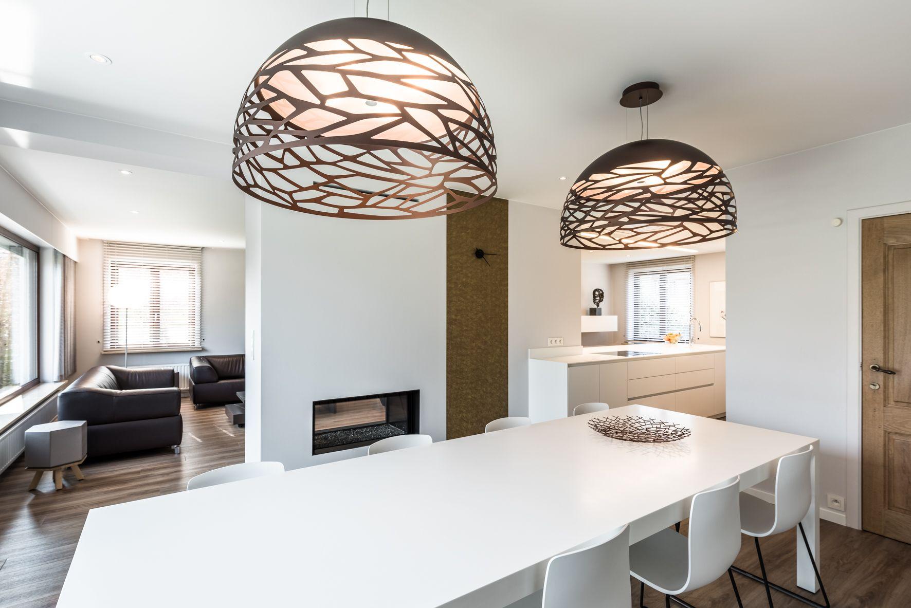Modern Interieur Woonkamer : Woonkamer interieur renovatie met doorkijkhaard in modern