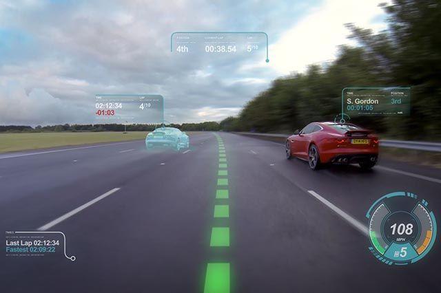 #Jaguar Virtual Windscreen, il parabrezza virtuale: faciliterà la guida su pista e strada proiettando navigazione, velocità, rischi, ostacoli e traiettorie. http://www.auto.it/2014/07/14/jaguar-virtual-windscreen-parabrezza-virtuale/23623/