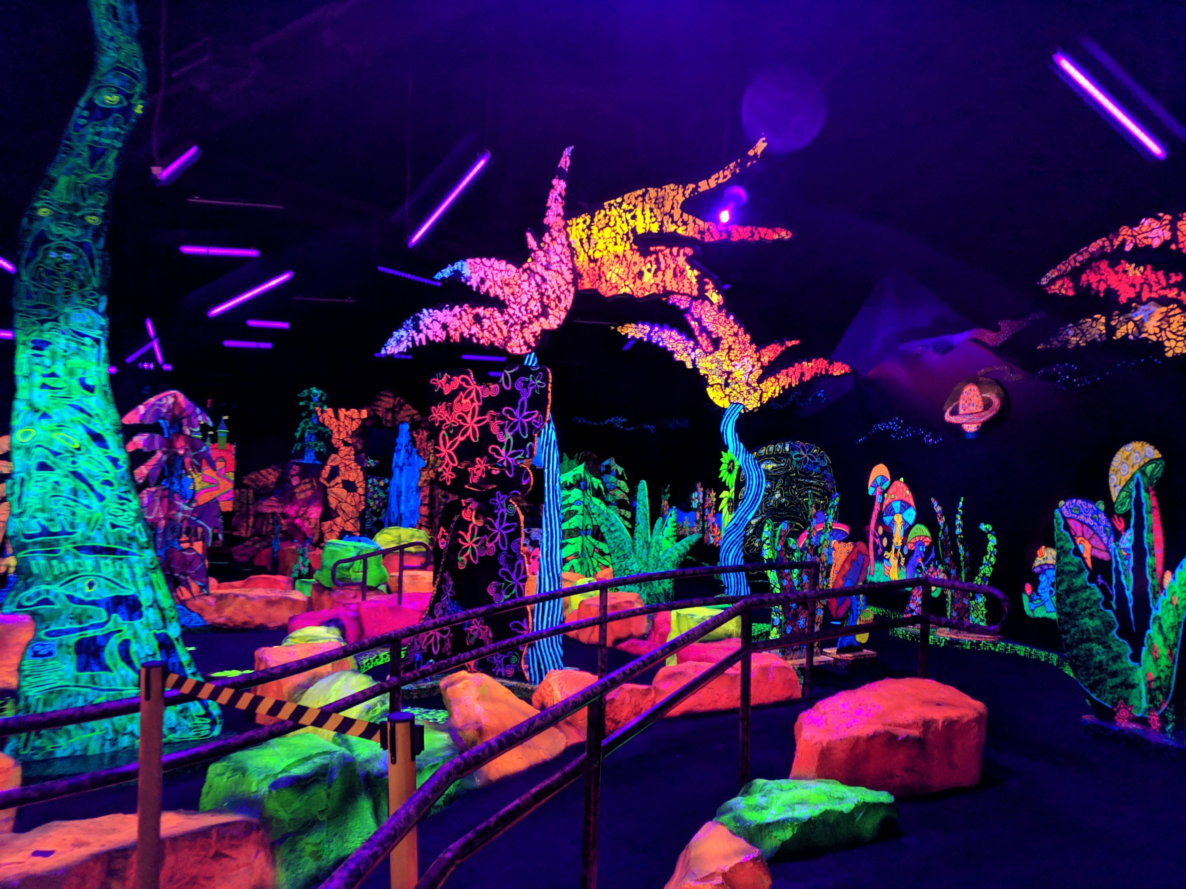 Putting Edge Glow In The Dark Mini Golf In 2020 With Images