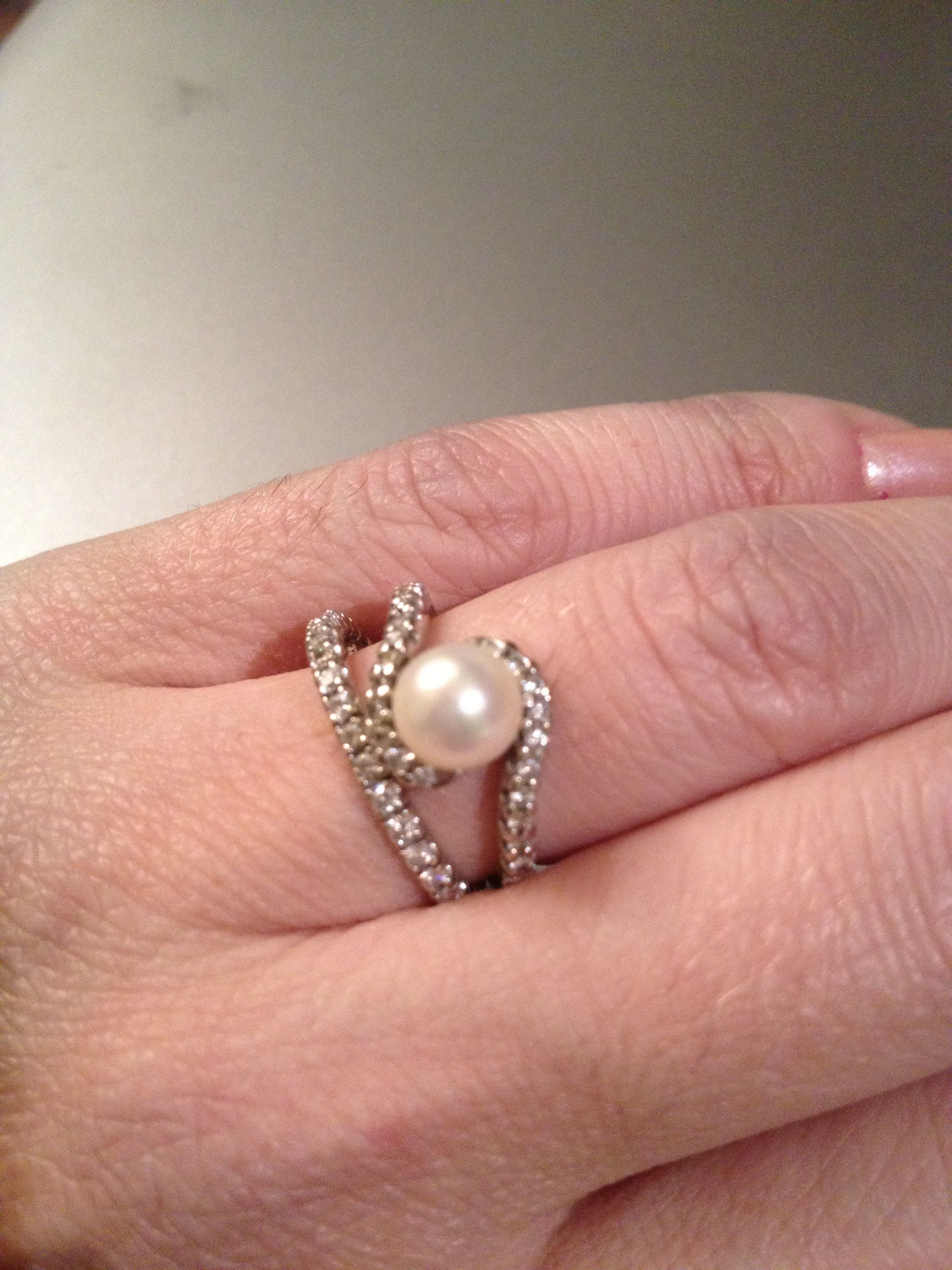 Pearl engagement ring with small diamonds-love it!!!! | Jewelry ...