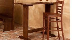 Risultati immagini per tavoli alti bar legno passioni table