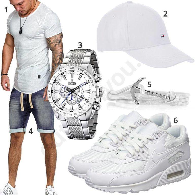 Weißes Sommeroutfit für Männer mit Cap und Nikes