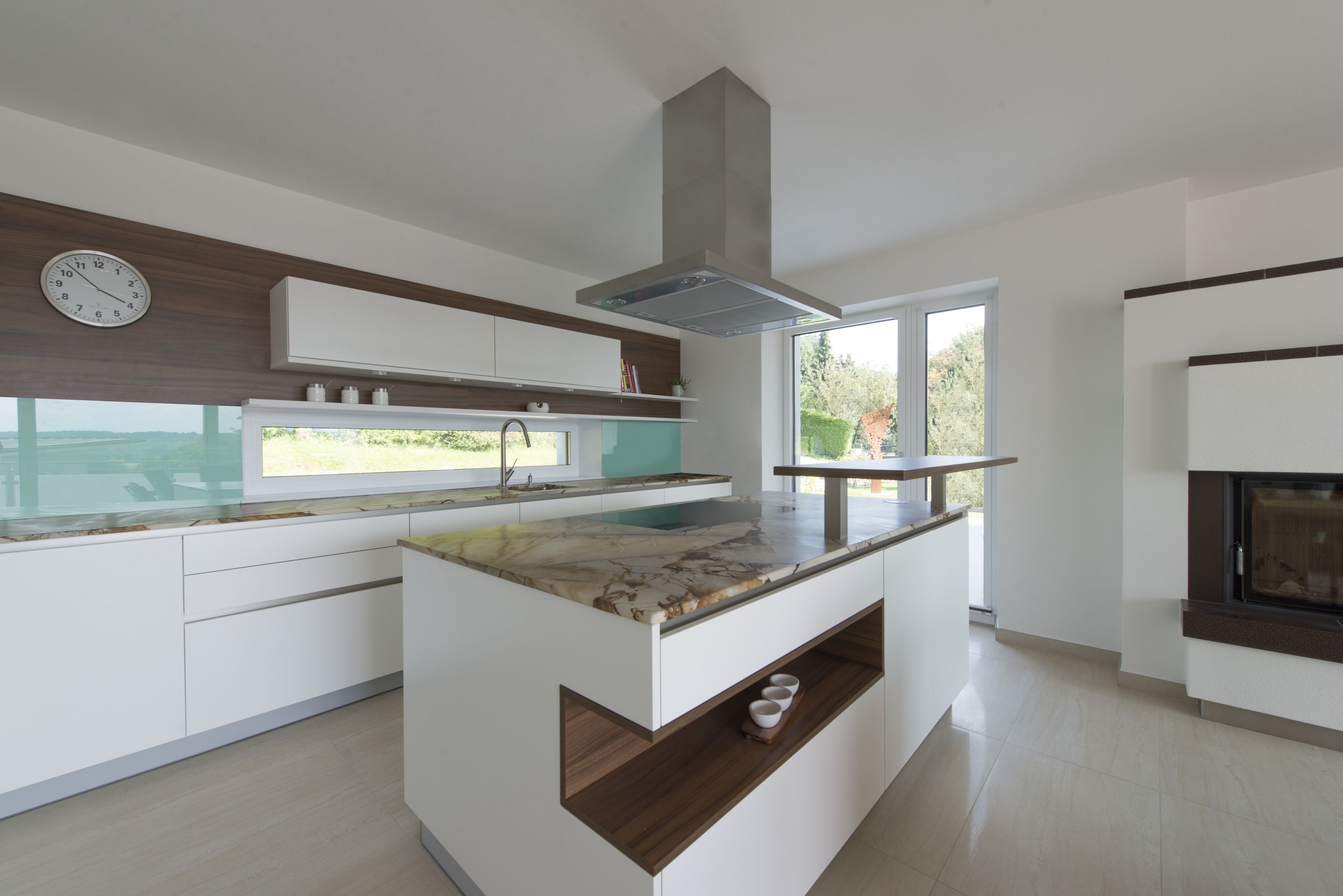 Refurbish your kitchen with internorm 39 s plastic aluminium for Internorm fenster