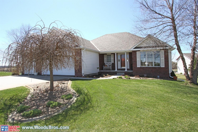 Best This Acreage Has It All Walkout Ranch 3 31 Acres Tile 400 x 300