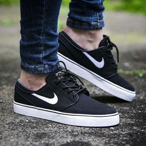 "Gefällt 49 Mal, 1 Kommentare - Jakarta Sneakers Solution (@grindshoes) auf Instagram: ""! [ New In ! ]  #Bestseller  #Gs_Premium Nike SB Stefan Janoski Classic "" Black / White "" BNIB •…"""