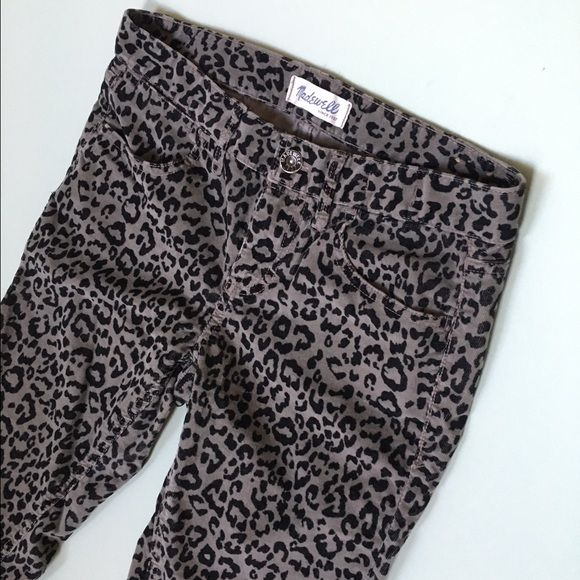 Madewell Animal Pants Animal corduroy pants, with a slight stretch for maximum comfort. Grey and black color.  Size 26x32. Mid rise. Madewell Pants Skinny