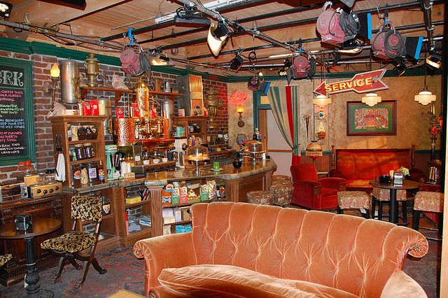 Friends Set Cafe Central Perk Friends Apartment Friends Wallpaper Friends Set
