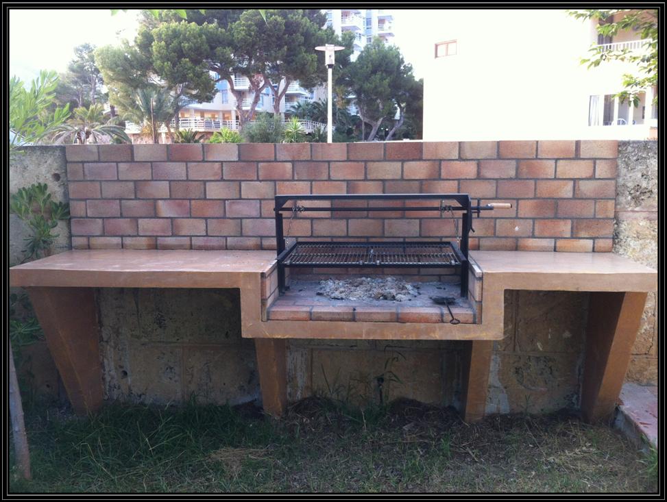 Sistema de cadenas para barbacoa de obra instalado - Barbacoa de obra casera ...
