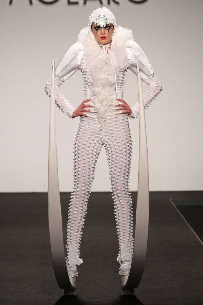 Gianni Molaro: collezione alta moda  2013 wear shoes with long tusk two meters below the 18th century crinolines sensual women dreamed by Molaro