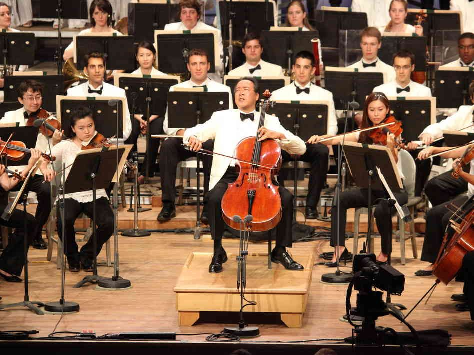 Hear a sparkling all-star performance with the Boston Symphony, the Boston Pops and guests including Yo-Yo Ma, James Taylor and Anne-Sophie Mutter.
