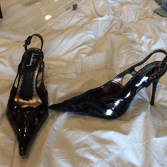 Heels pointy toe Worn a couple times! Love this pair pointy toe has a few flaws as you can see in picture Luichiny Shoes Heels