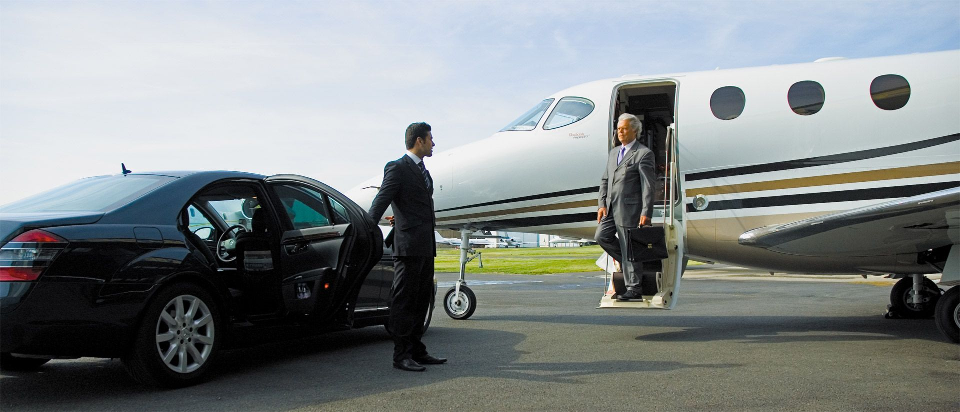 Luxury Transfers In Croatia From Zagreb To Dubrovnik Airport Limo Service Transportation Services Airport Limo