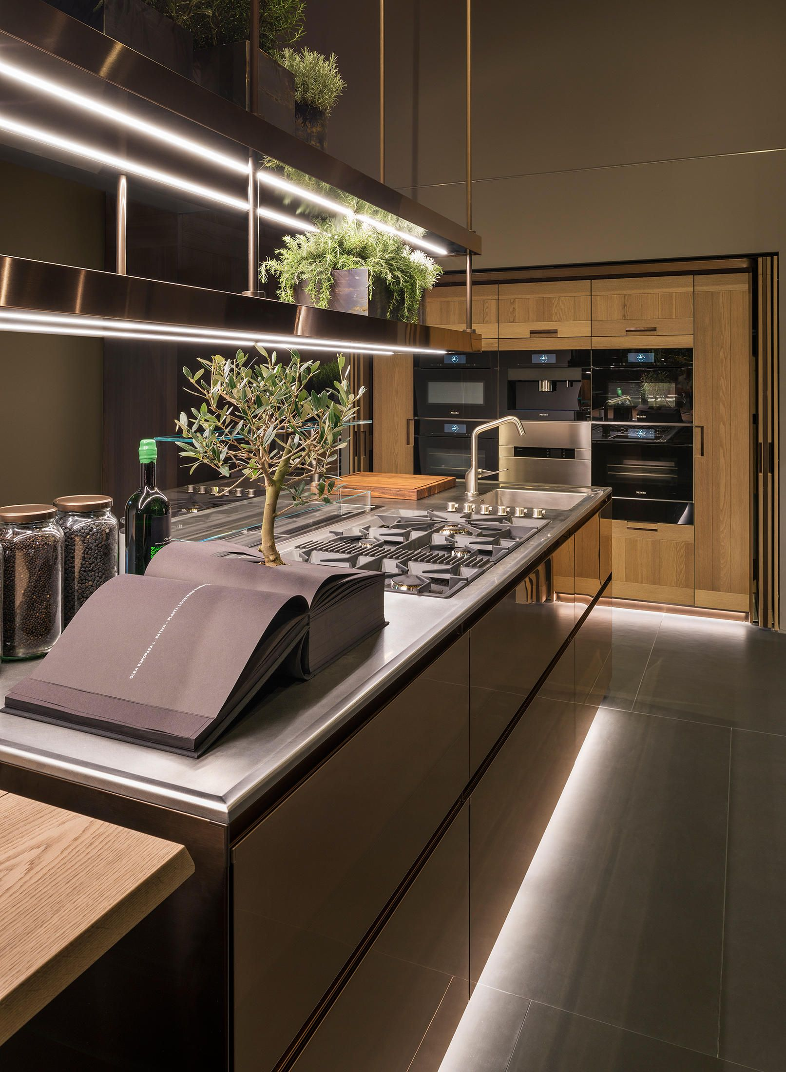 Principia Designer Fitted Kitchens From Arclinea All