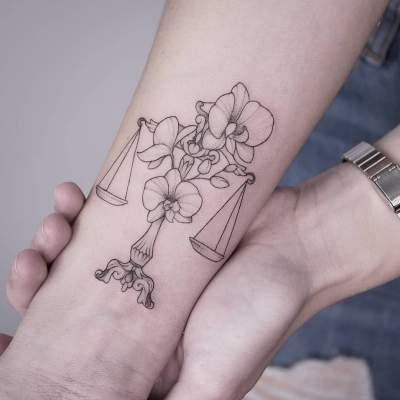 60 Best Libra Tattoo Ideas Hike N Dip Libra Tattoo Balance Tattoo Tattoo Designs