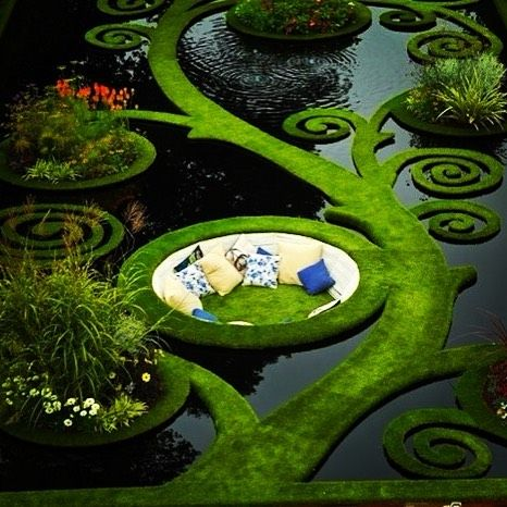 Garden pond lounge! Pourquoi pas?like if you like!#verticalfarming #urbanfarming #organicfarming #food #agriculture #urbangardenersrep #growsomethinggreen #epicgardening #urbanorganicgardener #gardeningtips #finegardening #urban_farming #gardening #beauty #summer #healthy #plantbased #butterfly #followme #Indoorgardening by theplantcharmer