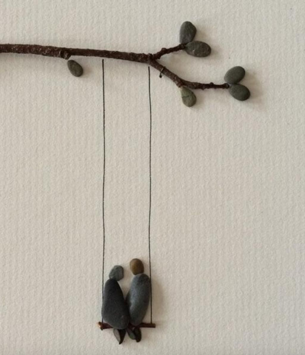 Photo of With her hot glue gun and flat stones, she creates a sublime decoration in 5 minutes!