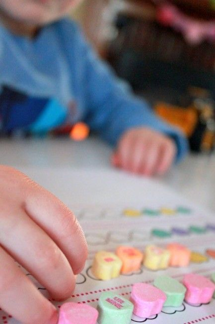 A great math activity that teaches children about counting and following patterns.