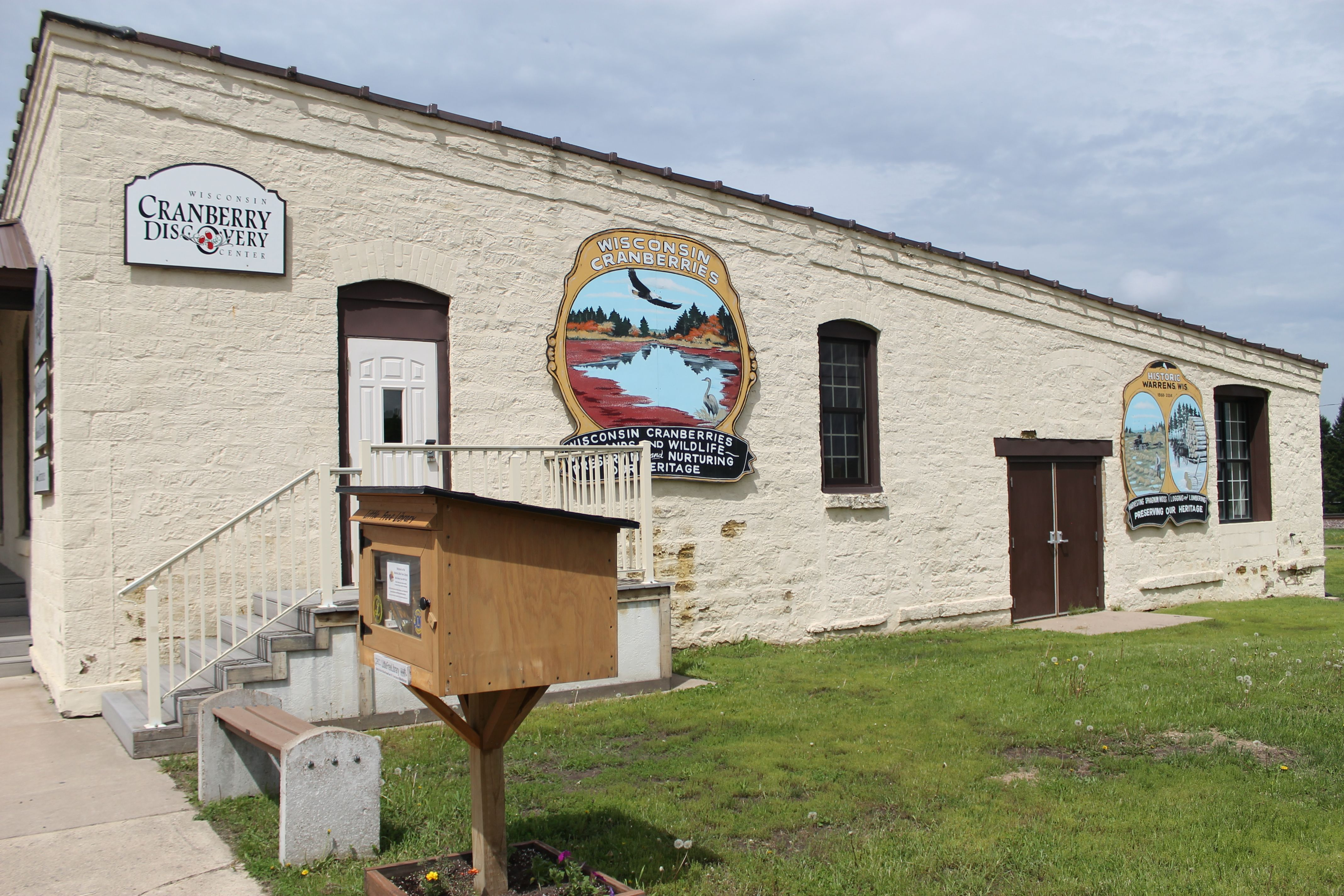 cranberry discovery center in warrens wisconsin travel wisconsin